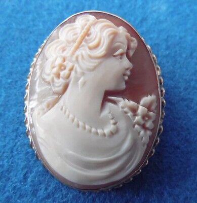 Vintage -- 14K -- Yellow Gold --  Shell Cameo - Pendant Brooch  Pin