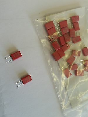 15 nF 63v Polyester capacitor [x25]