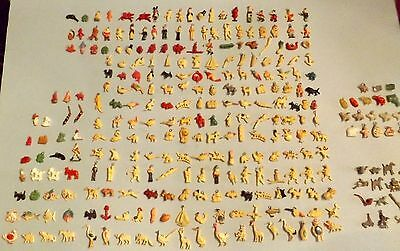 HUGE LOT Vintage 1930's / 40's Celluloid Cracker Jack Charms Prizes Gumball Toys
