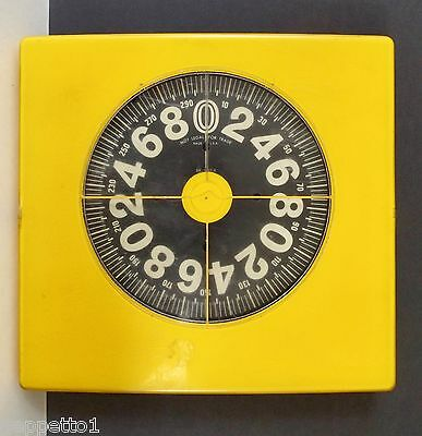 1960's / 70's Mid Century Modern Bathroom Scale in Yellow
