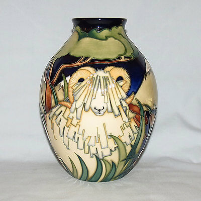 Moorcroft Master Version North and South vase SUPER SCARCE New Zealand exclusive