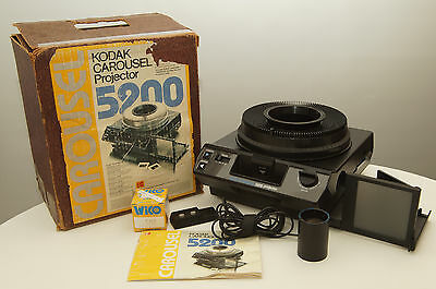 Kodak Carousel 5200 Slide Projector with remote and extra bulb