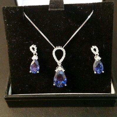 Q64 Ladies 9ct white gold Sapphire and Diamond necklace and stud earrings set