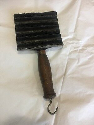 Vintage Sheep Horse Curry Comb