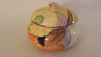 Art Deco Grays Susie Cooper style powder box gilded and signed (Mae) A2112