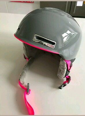 Girls Smith snowboard Ski Helmet Size M 56-58cm
