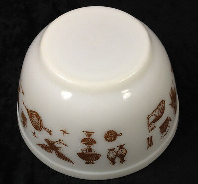 Pyrex 1-1/2 Quart Mixing Bowl Americana Eagle Rooster White Brown Vintage #402