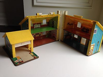 Vintage 1969 FISHER PRICE Little People Play Family House #952