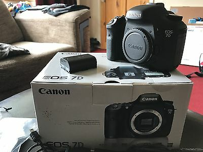 CANON EOS 7D 18MP DIGITAL SLR CAMERA BODY ONLY - Very Low Usage 18000 actuations