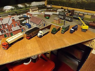 6 Assorted Oo Gauge Diecast Lorries And Crane