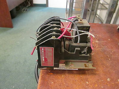 Square D  Lighting Contactor 8903 LLO 30 120V Coil 20A 250 VDC Used