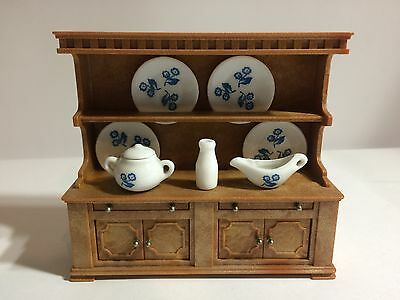 Sylvanian Families Rare Vintage Welsh Dresser And Dinner Set