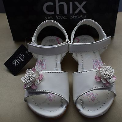 New With Defects Girls Kids Childrens White Summer Sandals Size Uk 11/ Eu 29
