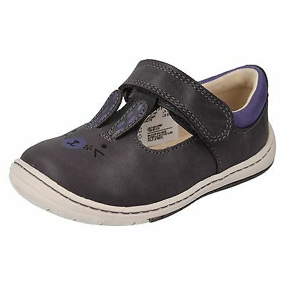 Girls Clarks Amelio Glo Toddler Hook & Loop First Walking Casual Flat Shoes Size