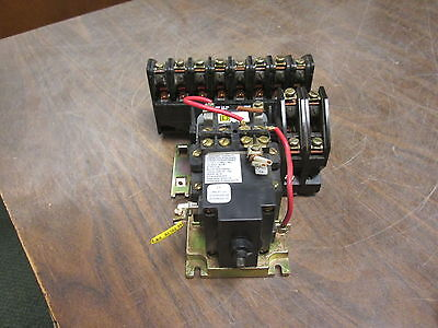 Square D Lighting Contactor 8903 LX 0 1200 120V Coil 20A 600V Used