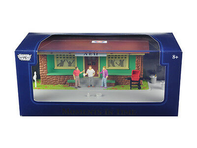 Motormax 73866N Moments In Time Diorama Put Your Own Car Inside 1/43