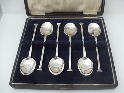 SET OF SIX STERLING SILVER TEA SPOONS London 1921 Nail head design Cased
