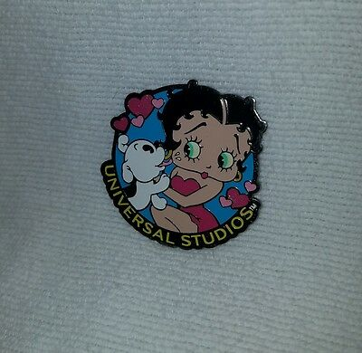2001 Universal Studios Betty Boop Fridge Magnet with Puppy Kisses