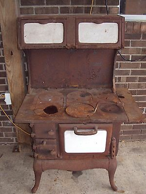 ANTIQUE CAST IRON STOVE Birmingham Stove Company