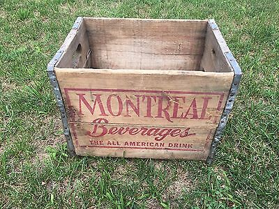 VINTAGE Montreal BEVERAGE CO SODA BOTTLE WOOD CASE CRATE CARRY CHICAGO, IL