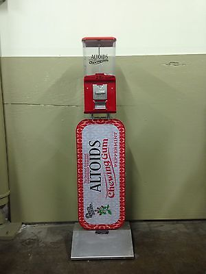 Altoid's Mint Mints Candy gum Gumball Coin Operated .25 Quarter Vending Machine