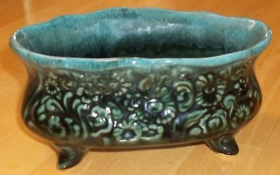 Vintage Hull Ceramic Planter with Legs, Oval, Sea Mist Green, B32, 1960s, USA