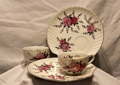 Vintage 4 Piece Set Snack Shell Shape Plate & Matching Cup, Pink Roses Gold Trim