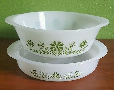 Glasbake Green Daisy Vintage Set 8-in Cake Round J2429 and 2 QT Casserole J514