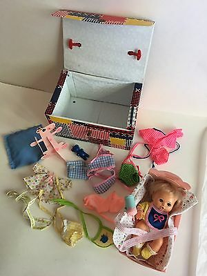 "Vintage 70's Ideal BABY BABY Doll Hand Full of Love Thumbelina 7"" & accessories"