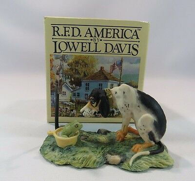 "R.F.D. AMERICA BY LOWELL DAVIS ""Comfy"" Dog and Frog  JH"
