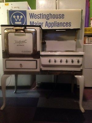 Antique 1930's Porcelain Hotpoint Automatic Electric Stove & Oven , old vintage