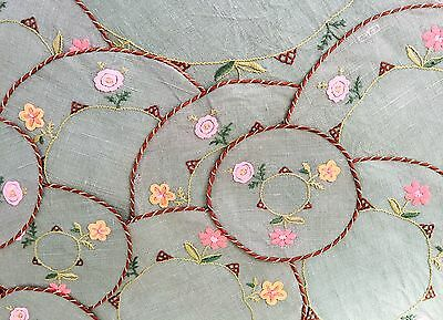 Vintage Linen Embroidered Place Mats Floral Embroidery