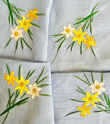 Vintage Blue Linen Pretty Floral Appliqué & Embroidered Table Cloth Daffodils