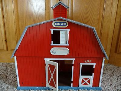 BREYER FOLD OUT Plastic PADDOCK PALS Red BARN for MINI WHINNIES or STABLEMATES