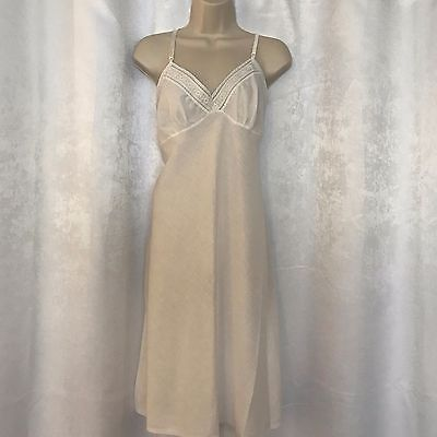 Women's Embroidered SEARS White Full Slip Night Gown Lace Size 40