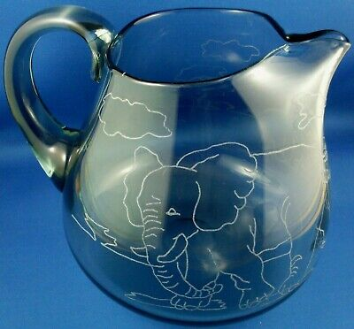 RARE Unique ARTIST HAND-ETCHED ELEPHANT Art Glass CRYSTAL JUG Collectable In Au
