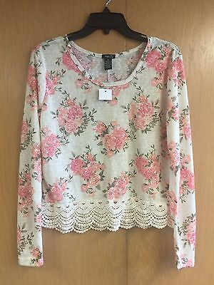 NWT Women's Ivory & Floral Long Sleeve Top with Crochet Bottom Size Medium
