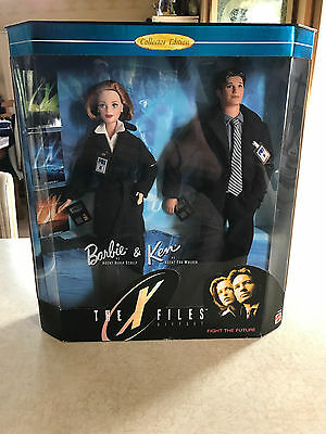 The X FIles Barbie and Ken Gift Set Original Box Agent Scully Agent Mulder Dolls