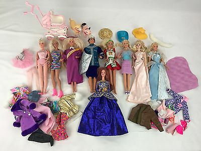 Vintage Lot of 8 Barbies & 1 Ken Doll 90s Mattel W Clothes and Accessories