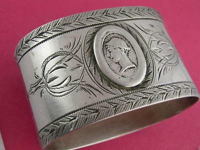 Early Coin Silver NAPKIN RING w/ Medallion & engraved patterns c1800s