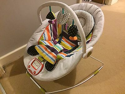 Mamas And Papas Vibrate And Sound Bouncer