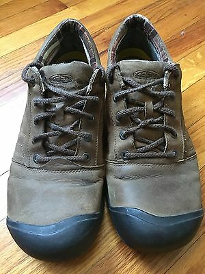 Keen Men's 13 oxford. Brown leather casual shoe.