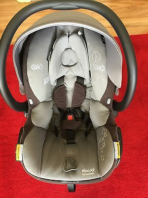 Maxi Cosi Mico Ap capsule -ISOFIX - Hardly Used, Purchased Jan 17
