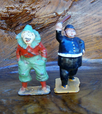 Charbens Lead Circus Clown and Policeman