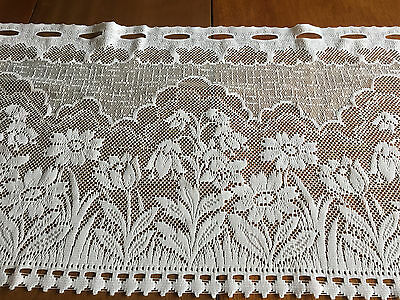 Vintage Valance Lace Floral Tulip and Daisy