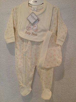 Baby girl or boy babygrow,bib and hat layette set in cream size 3-6months