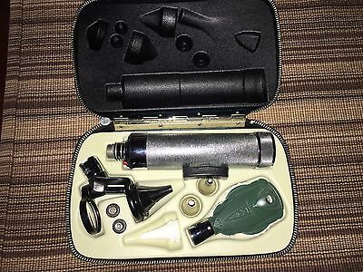 Welch Allyn Vintage Otoscope Ophthalmoscope set in Case