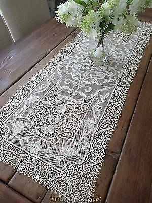 Exquisite Ventian Cantu Bobbin Lace Runner w/Orig Sales Box