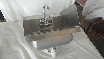 Advanced Tabco Stainless Steel Industrial Hand Sink With Side Splashes