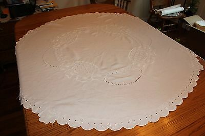 Vintage-Antique-Hand-Embroidered-Linen-50-Round-Tablecloth-Topper-Wedding-